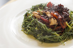 Agretti's nest with chicken, peppers and blac…