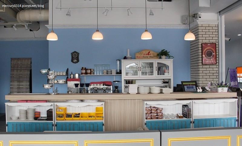 23891105320 e1b668e5c7 b - 台中西屯 Rainbow Waffle Cafe 彩虹國度-咖哩&焗烤專賣店