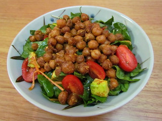 Smokehouse Chickpeas 'n' Greens Salad