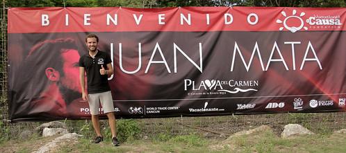 El futbolista Juan Mata apoya Fundación Vacaciones con Causa