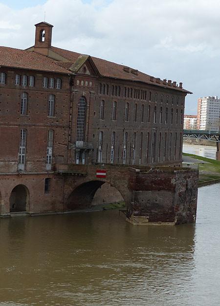 les restes du pont