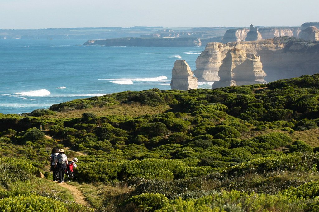 Hiking along the Great Ocean Walk
