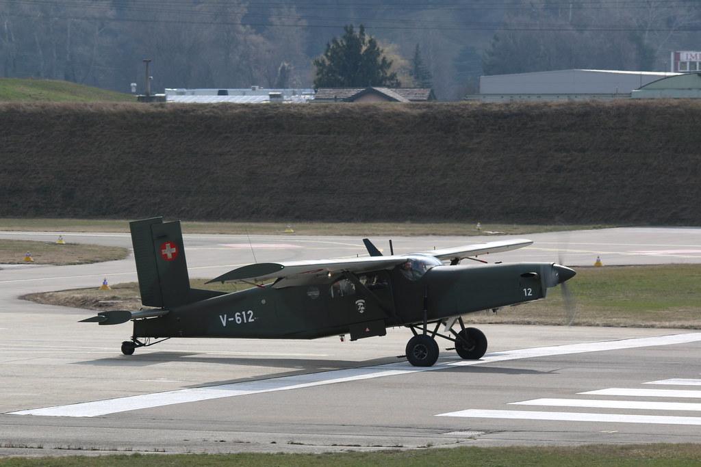 Aéroport - base aérienne de Sion (Suisse) 25832666295_66e18df126_b