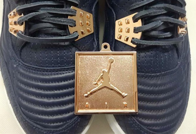 Air Jordan 4 Premium Obsidian (1)
