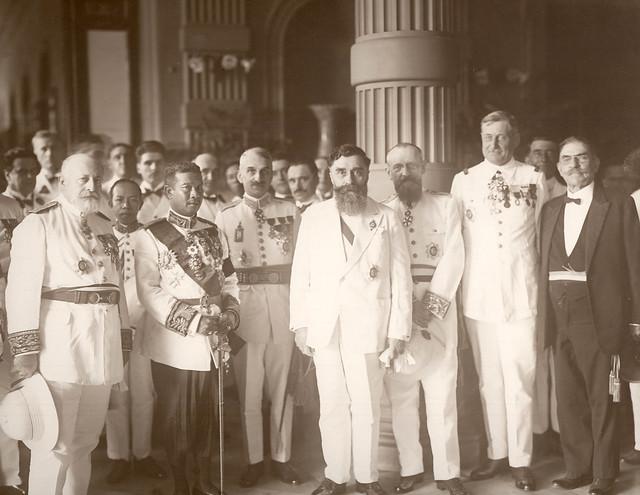 Toàn quyền Alexandre Varenne tại Saigon - vua Sisowath Monivong của Cam Bốt
