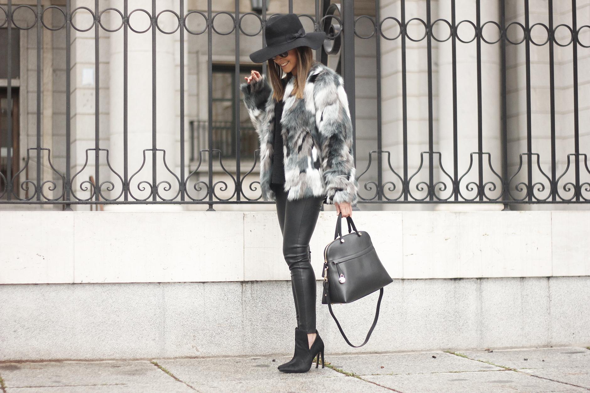 Faux fur coat leatherette pants booties black hat mango streetstyle fashion outfit16