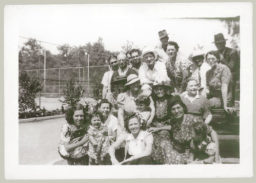 Group at the tennis court