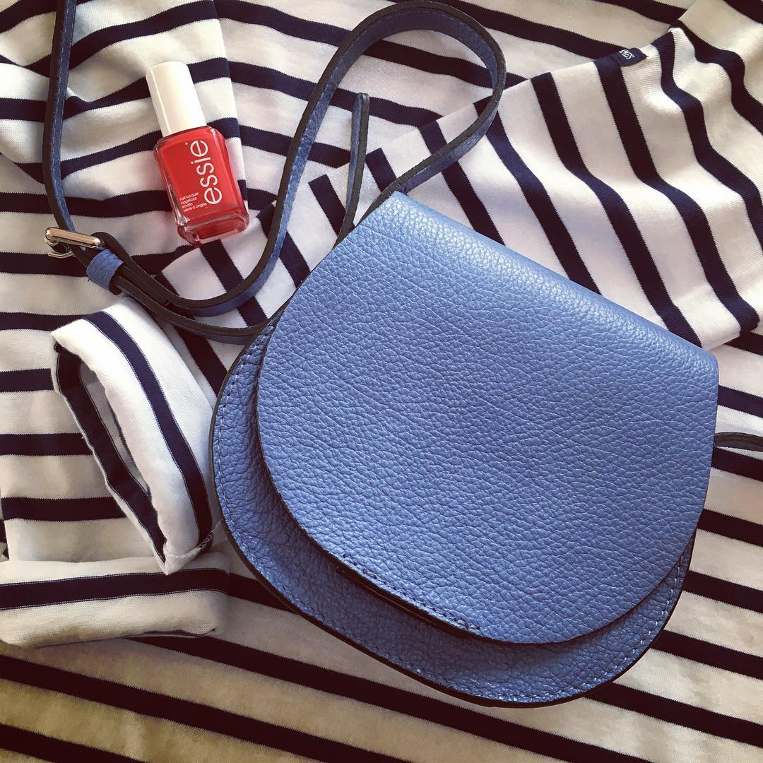 I am soo ready for spring! // Новая тельняшка - check, синяя сумочка через плечо - check. Ну когда уже, наконец, потеплеет, и я смогу все это носить?!