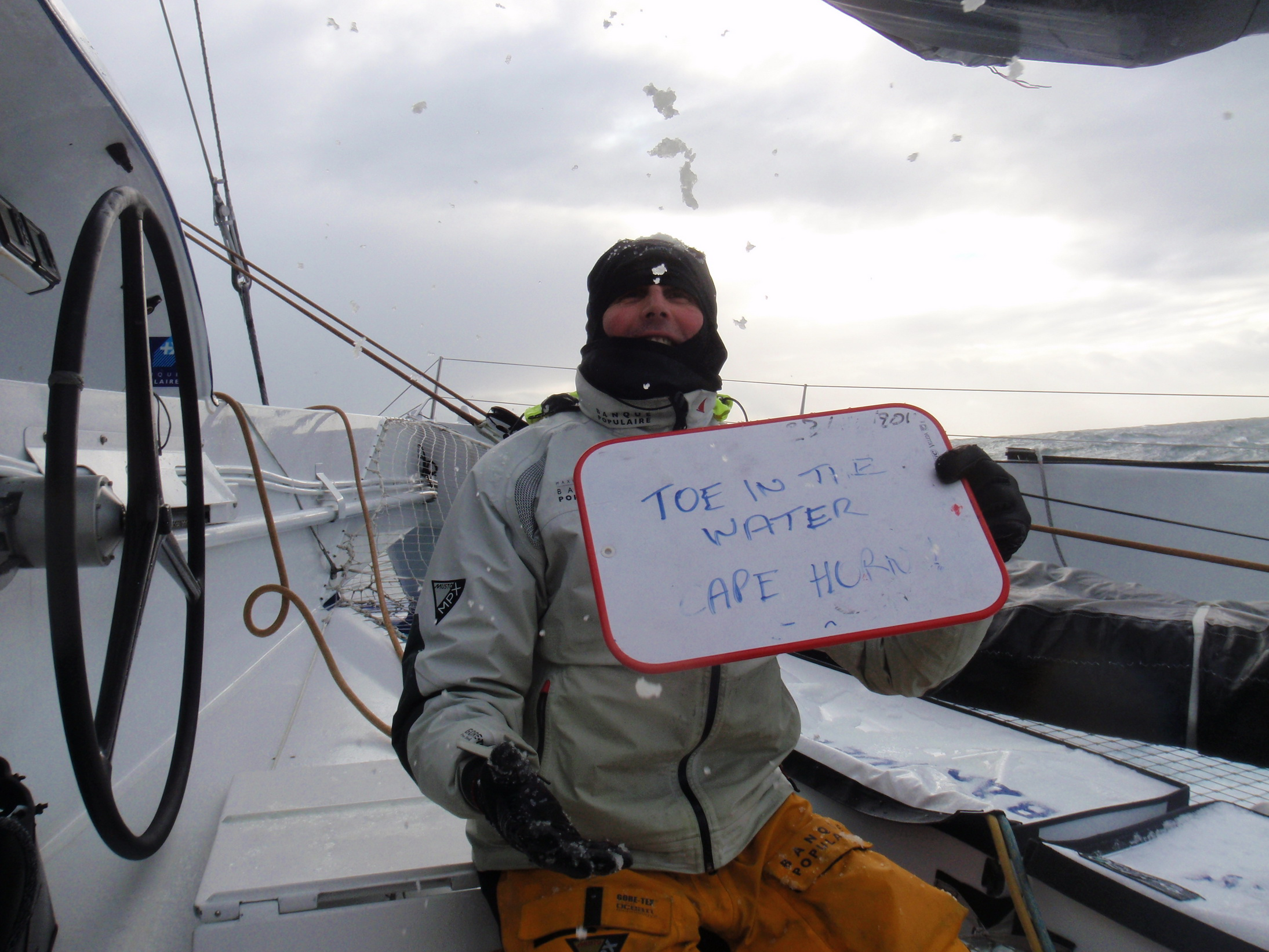 Photo envoyee du bord  Passage du Cap horn  Brian Thompson - 24122011 - BPCE