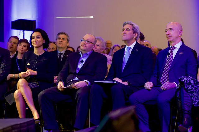 Secretary Kerry Sits With Washington Post Reporter Jason Rezaian and His Family Before a Ceremony to Dedicate the New Washington Post Headquarters