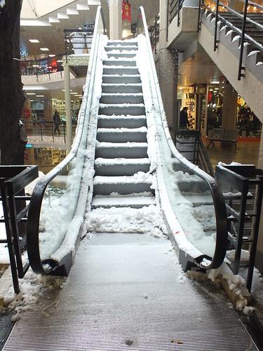 Hó meg fagy, meg mozgólépcső, de az mégsem mozog.