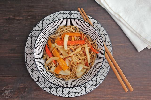Fideos chinos con calamares y verdura (16)