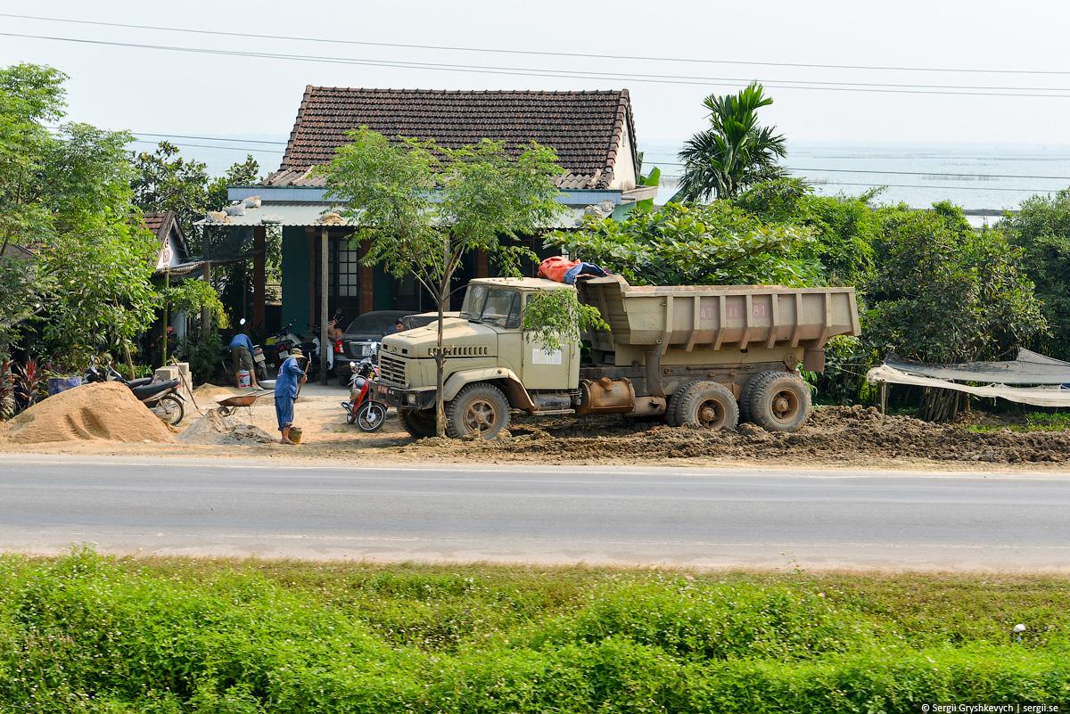 vietnam_reunification_express_train-24