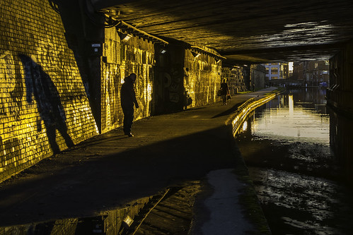 bridge sun water sunrise canal shadows leeds railway tricks