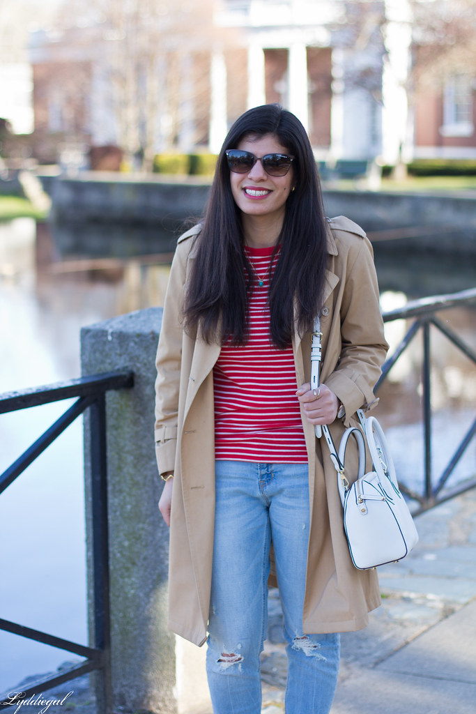red striped tee, trench coat, boyfriend jeans, red pumps-3.jpg