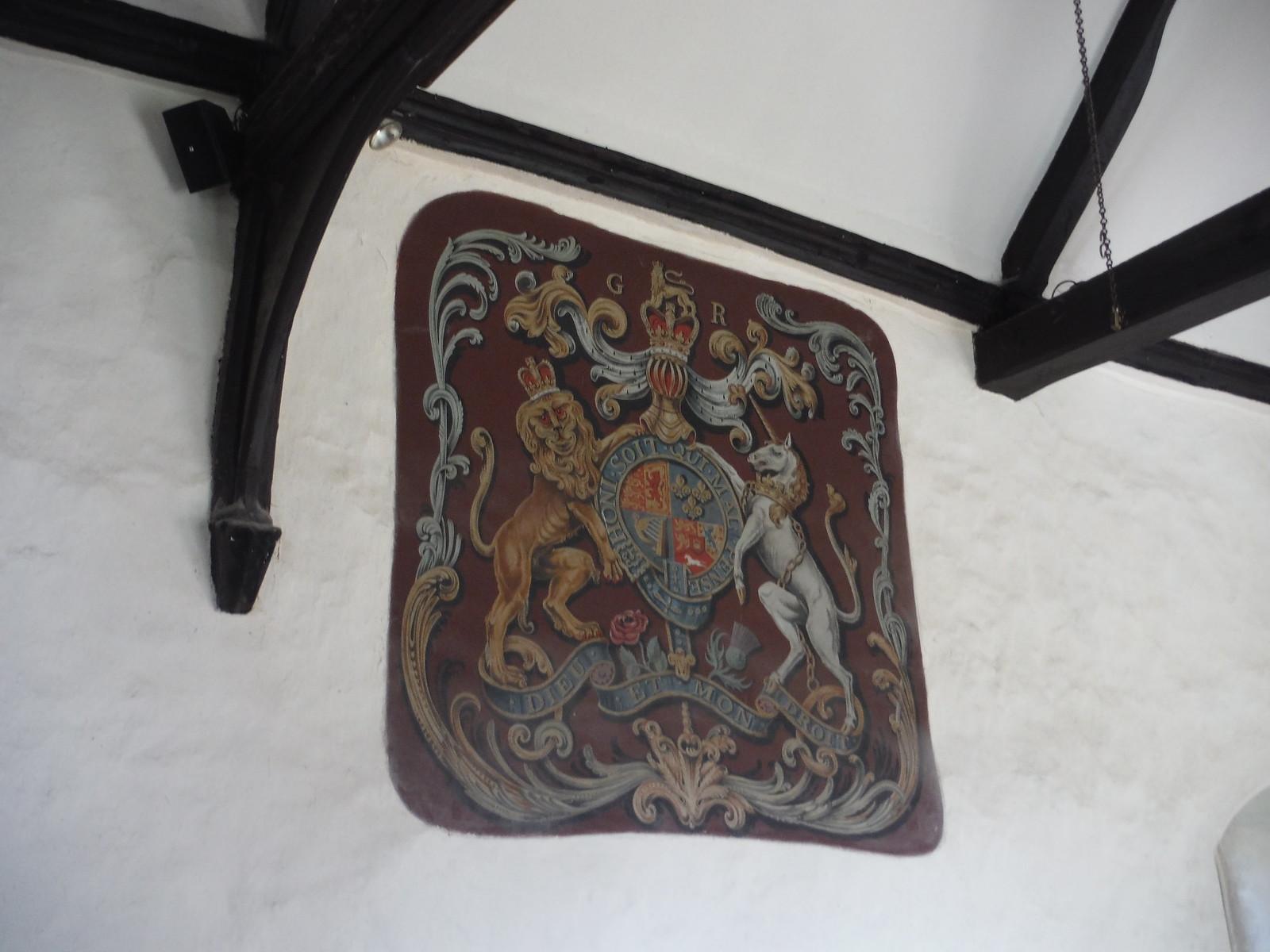 St. Nicholas Church, Chearsley, coat of arms SWC Walk 193 Haddenham to Aylesbury (via Gibraltar and Ford)