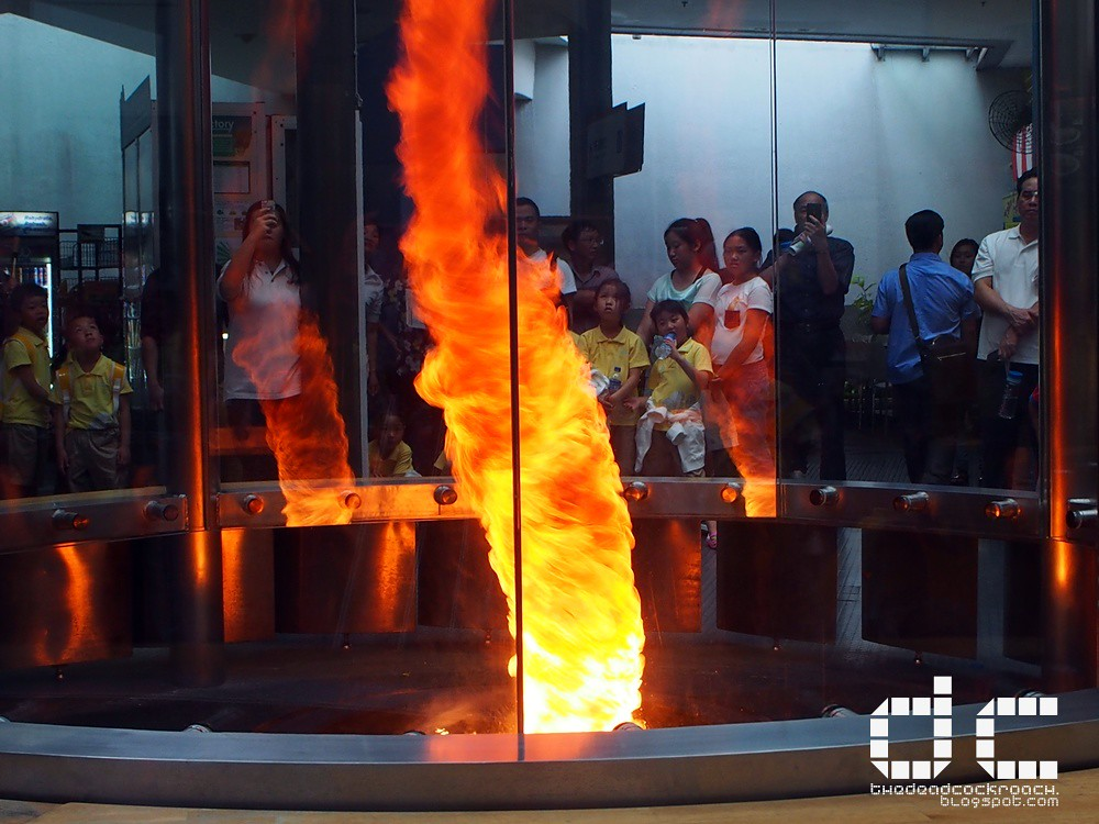 fire tornado, fire vortex, science, singapore, singapore science centre, 火龙卷,science centre,science centre singapore, where to go in singapore