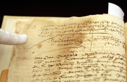 Presentación de dos firmas de Miguel de Cervantes halladas en la Universidad de Sevilla