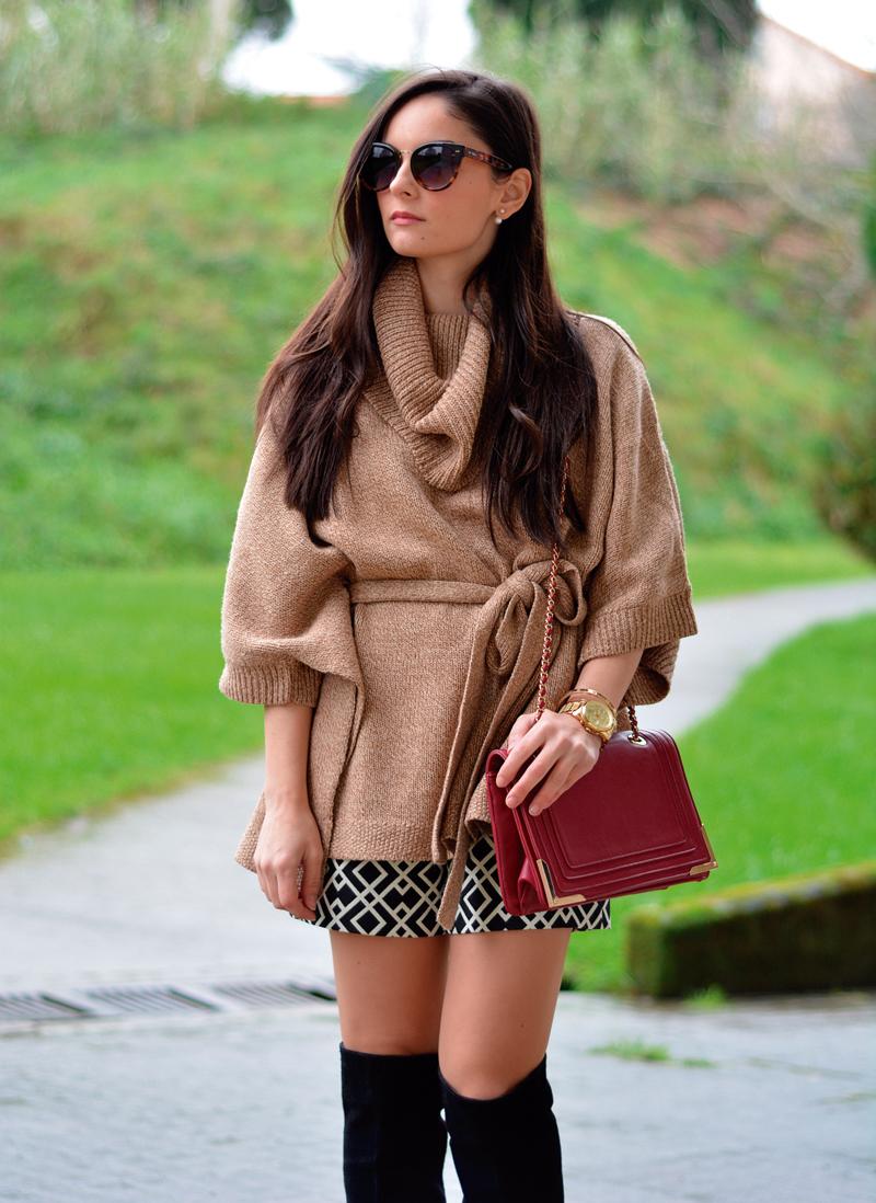 zara_hym_poncho_shorts_high_boots_camel_burdeos_06