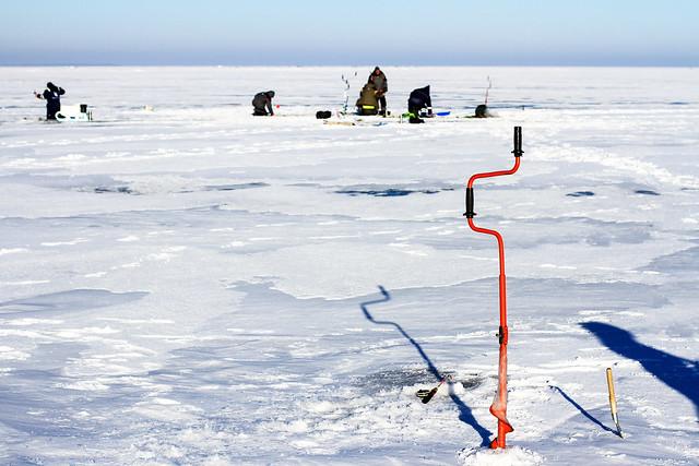 Ventės ragas - Nida ledu | Žvejai