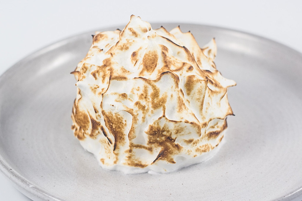 Opskrift på hjemmelavet Baked alaska - is surprise, indbagt is