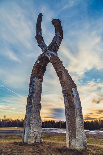 winter sunset sculpture snow art minnesota us unitedstates franconia x publicart sculpturepark shafer franconiasculpturepark castconcrete outdoorgallery peterlundberg xsculpture skallagrim