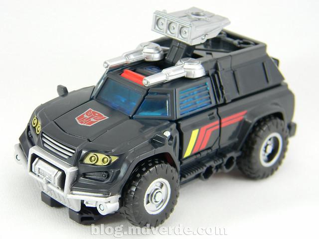 Transformers Trailbreaker Deluxe - Generations Takara - modo alterno