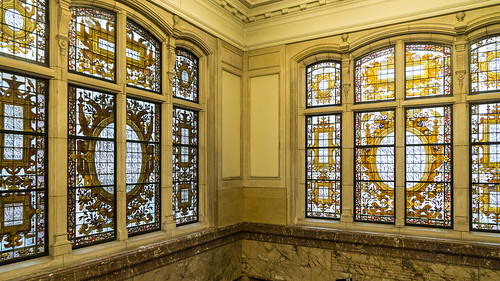 townhall-windows