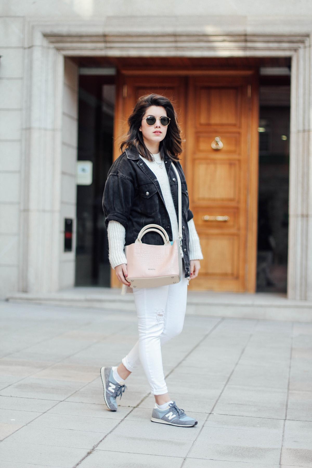 pantalones blancos con new balance azul bebe look primavera myblueberrynightsblog