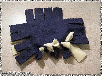 How to: No Sew Fleece Cube / Box Shelf 25694633004_6e89ccde53