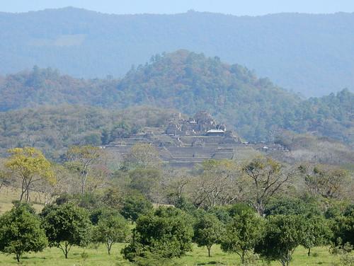 Tonina - piramides in de bergen