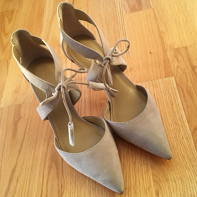 Ann Taylor Carson Tassel Suede Pumps in dove grey