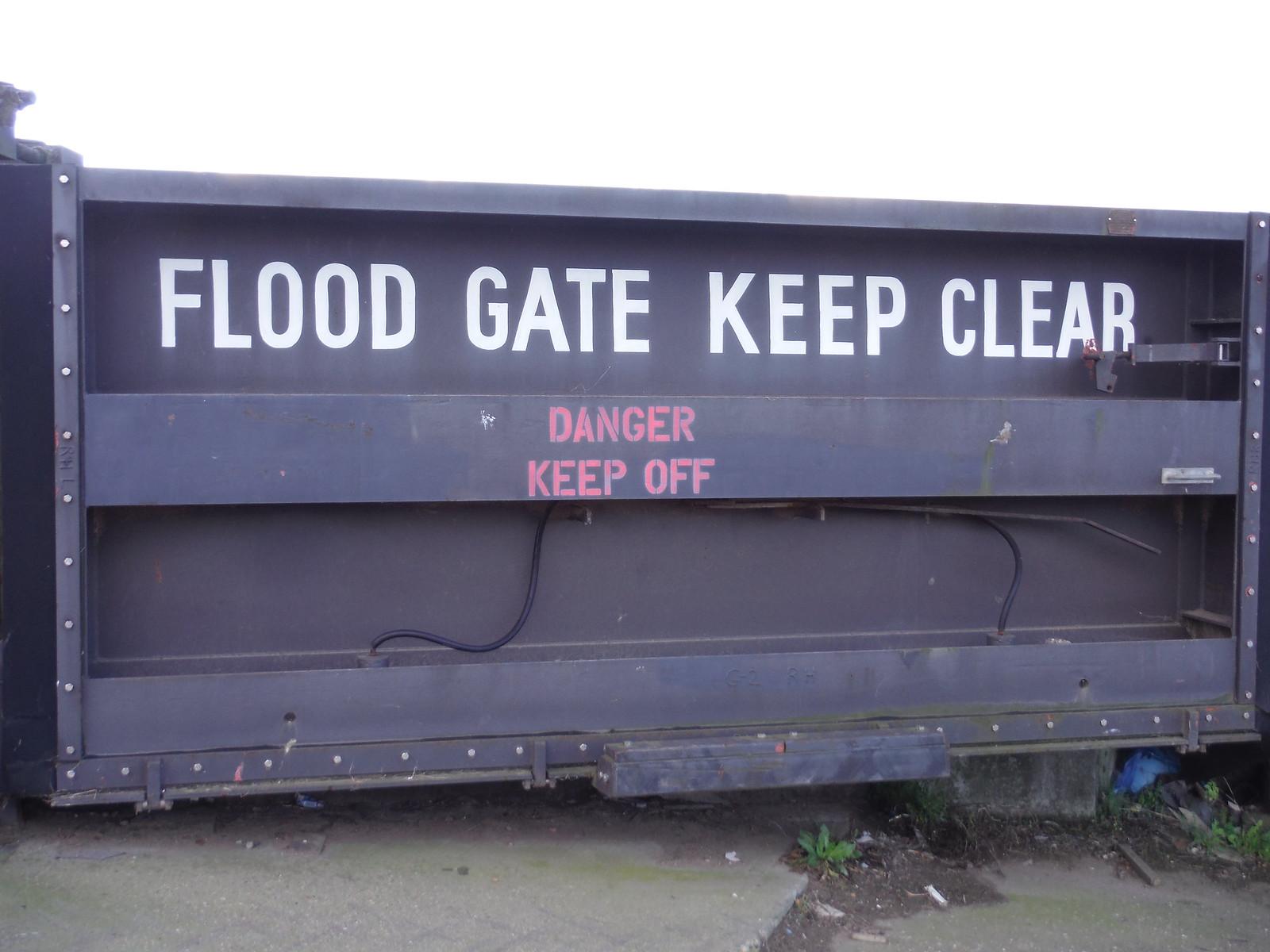 Flood Gate at Smallgains Boatyard, Canvey Island SWC Walk 258 Benfleet Circular (via Canvey Island)