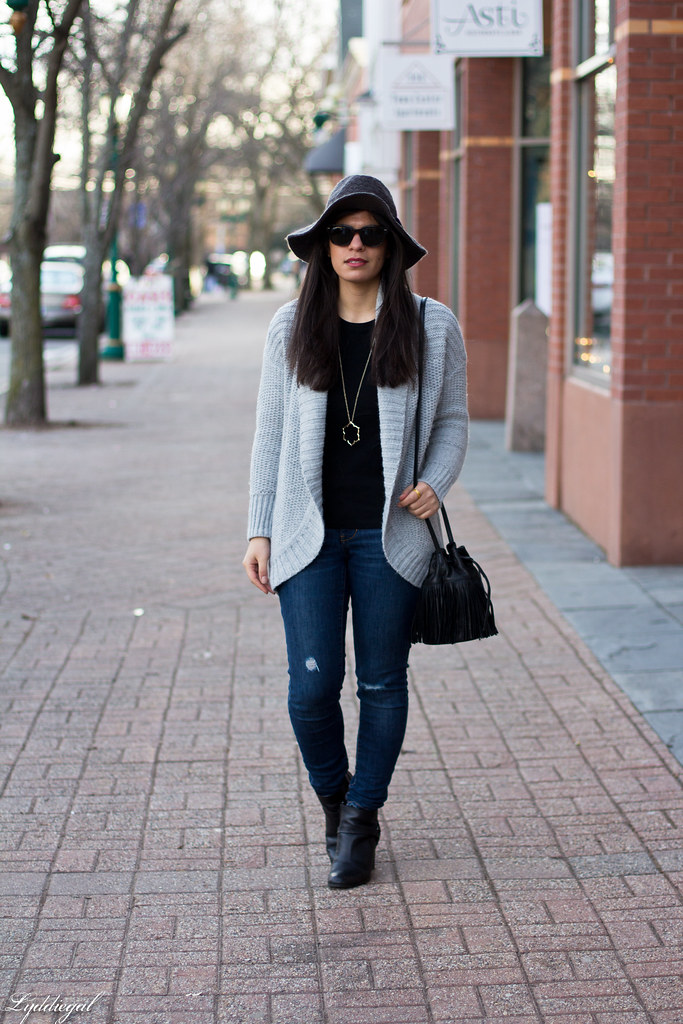 grey cardigan, black tee, grey hat, black booties.jpg