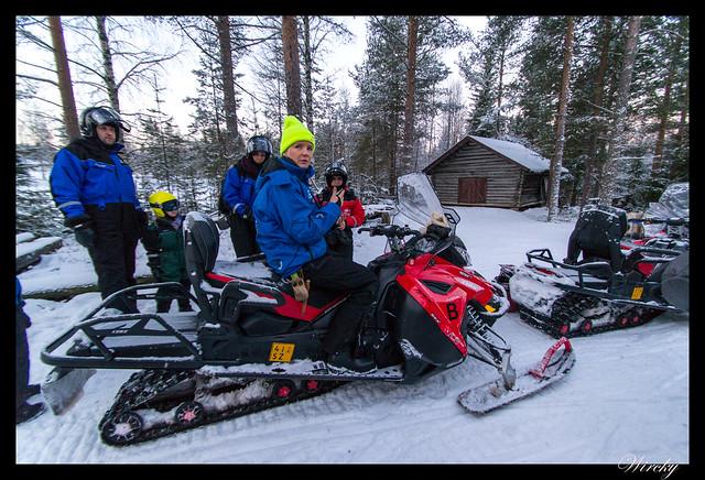 Laponia motos nieve renos pueblo papa noel - Explicación de la guía