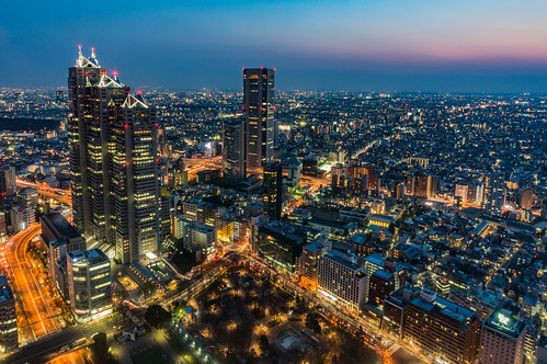 I tried to exposure for 30 seconds from the observation room of the Tokyo Metropolitan Government.