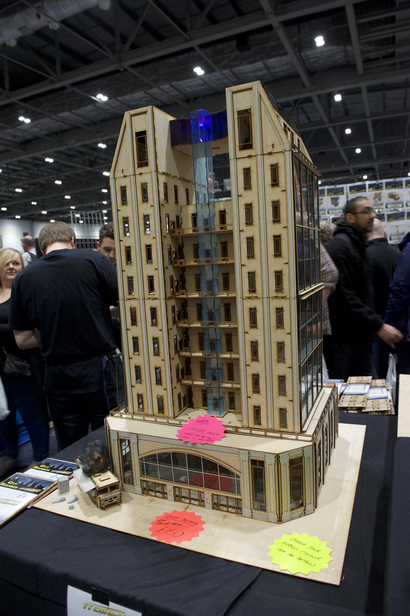 TTCombat giant building