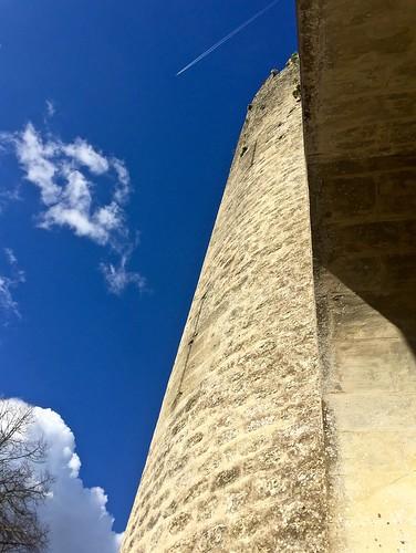 Clouds, sun, vapor trail, castle