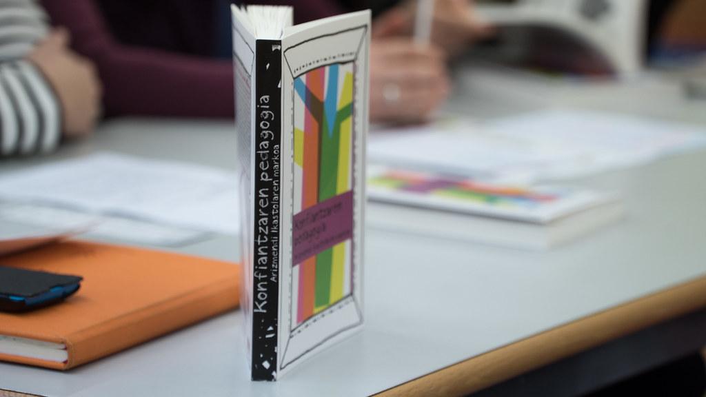 Konfiantzaren pedagogia liburua