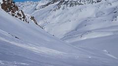 Na lodowcu Kleinleitenferner, na dole lodowiec Gurgler Ferner i nasze ślady trawersu.