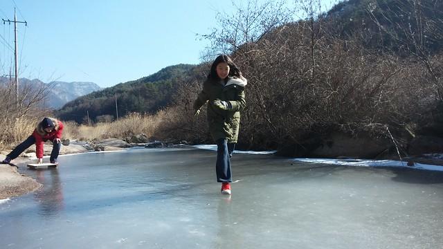 썰매보다 더 좋은 얼음 | 시골집 풍경