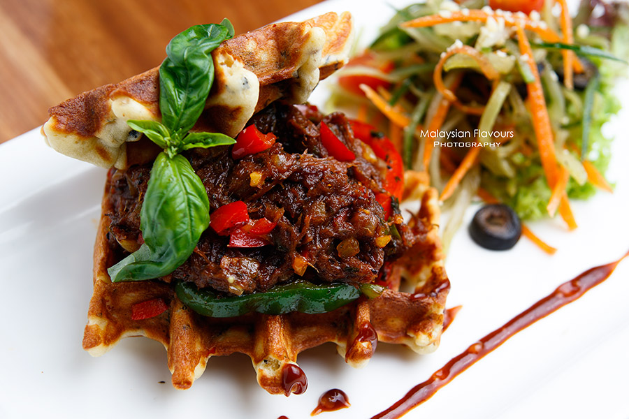 Chequers Cafe TTDI KL pulled bbq ribs waffle