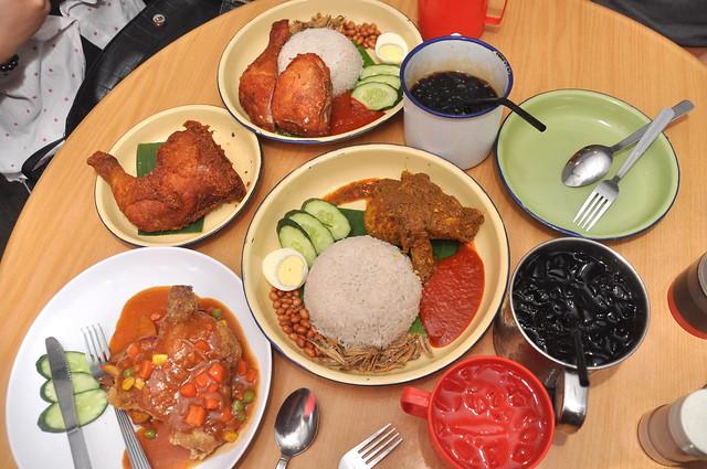 铁皮屋 Iron House Cafe Seri Kembangan 4