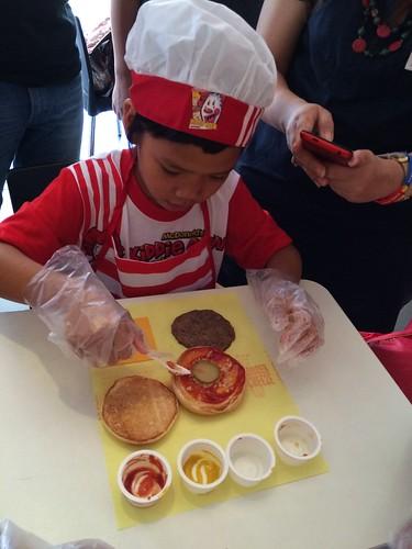McDonald's Kiddie Crew Worskshop 2016 cheeseburger making