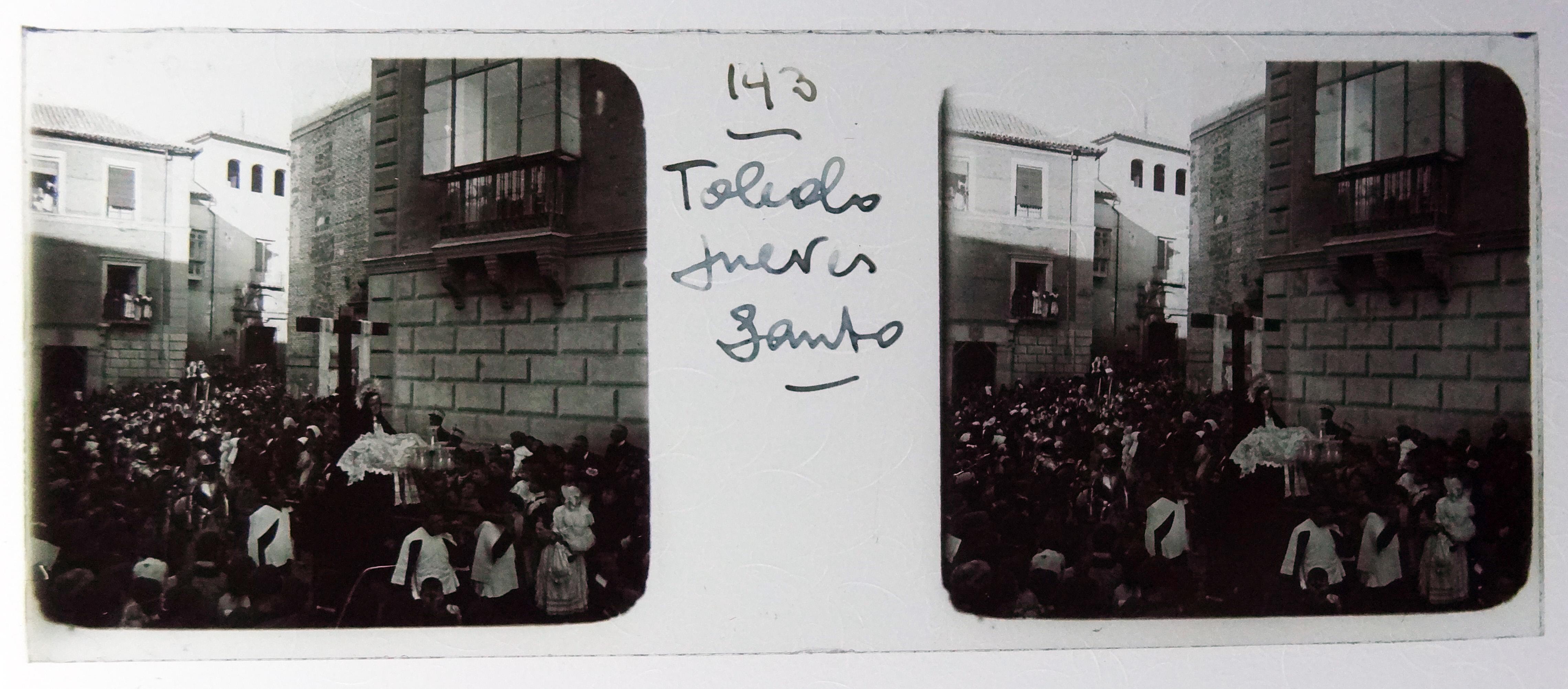 Procesión de Semana Santa, Plaza de San Vicente. Fotografía de Francisco Rodríguez Avial hacia 1910 © Herederos de Francisco Rodríguez Avial