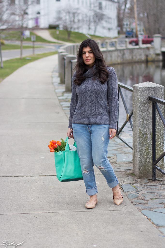 grey sweater, boyfriend jeans, laceup flats-3.jpg