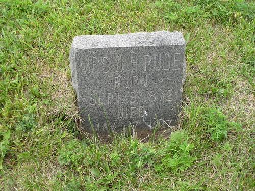 henningminn minnesota ottertailcountyminn trinitycemeteryhenningminn cemeteries gravestones rude martinson rudemarymartinson