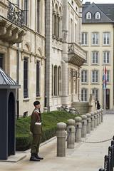 La sentinelle du Palais Grand Ducal