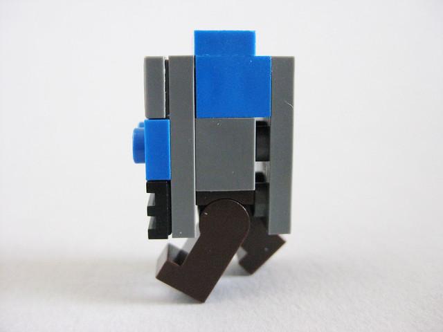 Gonk Droid (side)