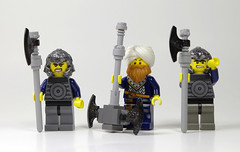 Fantasy Figbarf - Axe Captain and Apprentices